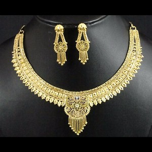Indian Traditional Stylish Golden Color Designer Necklace And Earring Jewelry Set
