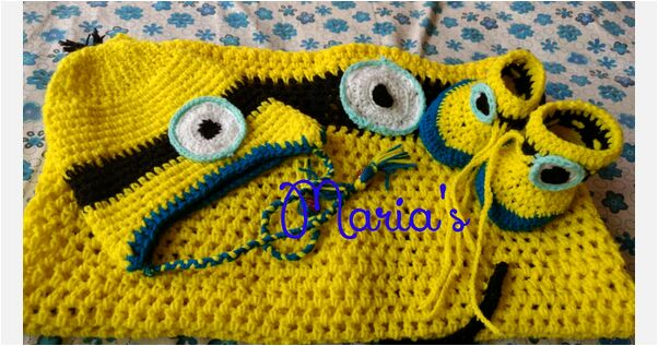 Minion baby blanket with cap and shoes
