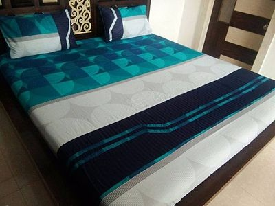 fitted bedsheet with 2 pillow covers