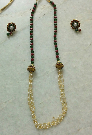 Green and maroon pachi stone and pearlchain neckpiece with matching studs