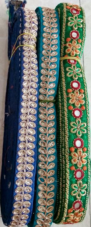 saree/dress/lehenga lace each @₹.325/-