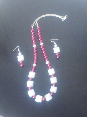 White and pink squared set