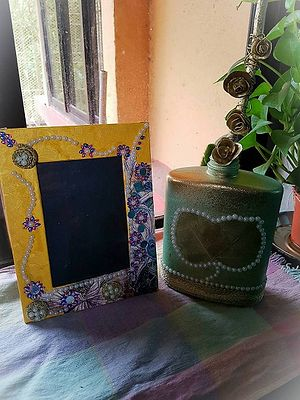 Upcycled vase with photo frame