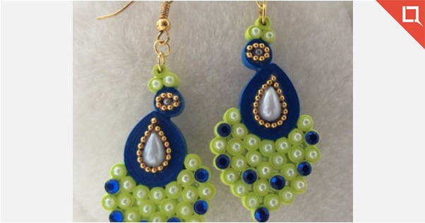 Peacock shaped earring - Quilled / Paper earring