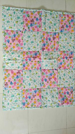 Squared quilt pink and green nursery print