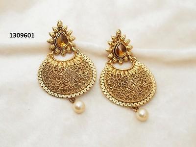 Jewelmaze Austrian Stone Zinc Alloy Earrrings 1309601