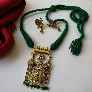 Green Threaded Pendant Necklace With Earring MTN-101