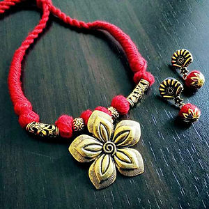 Red Threaded Flower Pendant Necklace With Earring MTN-103