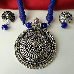 Blue Threaded Round Pendant Necklace With Earring MTN-107