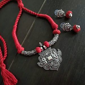 Red Threaded Fancy Pendant Necklace With Earring MTN-109