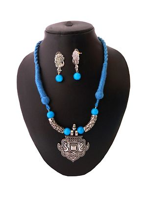 Blue Designer Threaded Fancy Pendant Necklace With Earring MTN-113