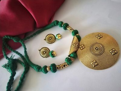 Green Threaded Traditional Round Pendant Necklace With Earring MTN-115