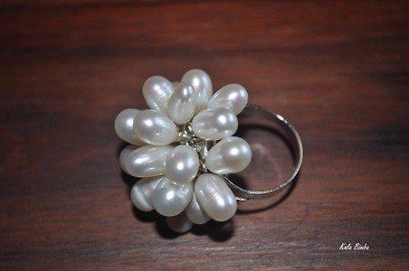 Cultured pearl adjustable ring