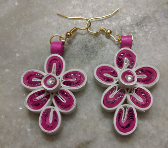 pink quilled modern jewellery