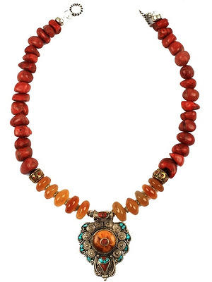 Wood coral tribal necklace