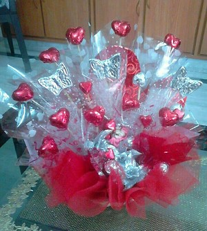 red pretty chocolate bouquet