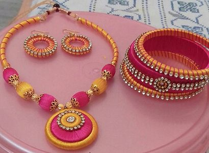 Yellow and pink set