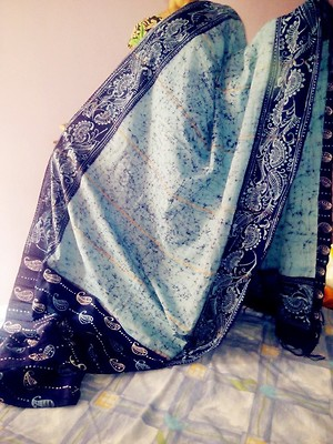 Hand Batik Print Saree with woven Khesh bits Highlighted Aanchal