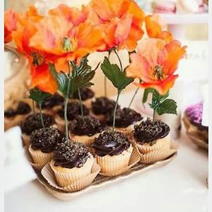 Cupcake with floral decor