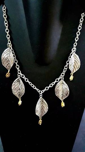 Light weight leaf necklace