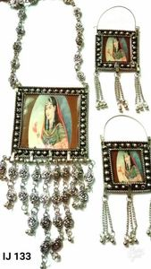 GS  Picture Necklace set