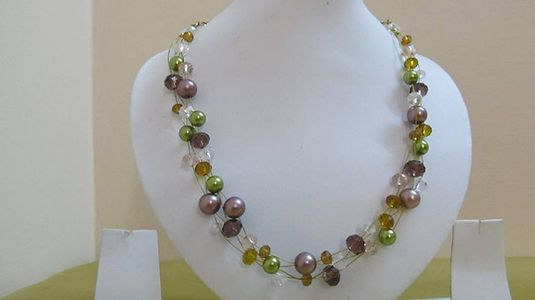 Multicolour Glass bead Floating Necklace @ Fashionify (J224)