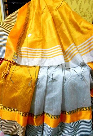 Soft silk handloom metallic grey body with mustard yellow paar and aanchal, blouse piece attached 840/-(including gst) + 30/- shipping