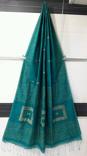 Back on demand.....box gheecha handloom..... deep sea green.....single available pieces.....1025 /- including sipping (actual is one shade darker)