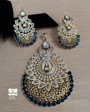 EVERY WOMEN IS BEAUTIFUL & JEWELLERIES LIKE THIS ENHANCES THE BEAUTY MAKING YOU LOOK EVEN MORE GEORGEOUS... I'M AN AUTHORISED DEALER OF ETHNIC JEWELLERY COLLECTIONS....PING @ 8001519999 FOR MORE