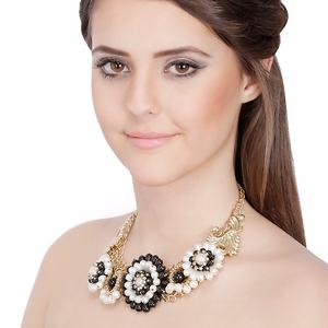 Contemporary Statement White Flower Pearl Charm  Necklace
