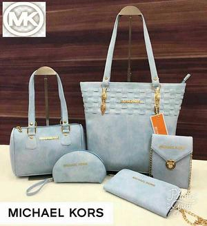 Mk Handbags 5pcs set Awesome Quality (OfferPrìce) Book Now 👍🏻   People Interested in buying sets  Message me personally