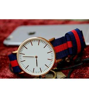 UNISEX BLACK COLOR STRAP WATCH FOR MEN AND WOMEN