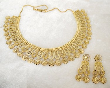 Neu Gold Forming Gold Plated Floral Copper Necklace Set
