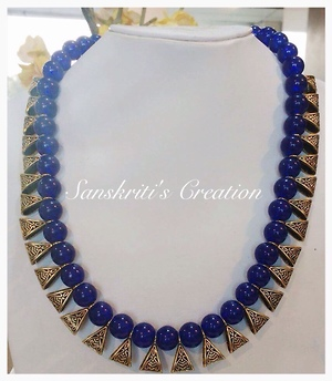 Royal glass beads necklace
