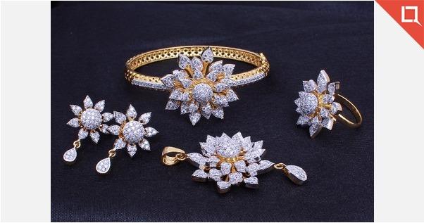 Bracelets & Sets