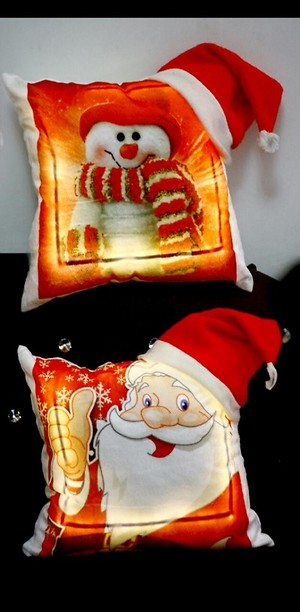 personalised and led cushion P2dec650S