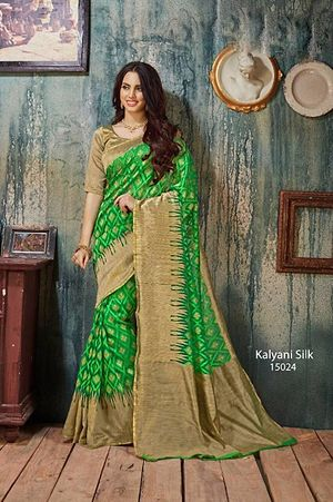 Greey women wear saree 4168bk15024