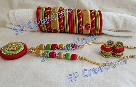 Red,parrot green with gold color neckset
