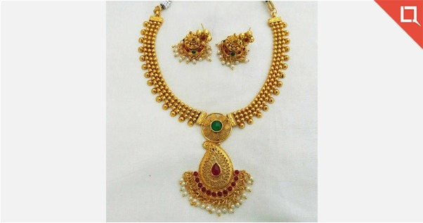 ANTIQUE JEWELLERY COLLECTIONS