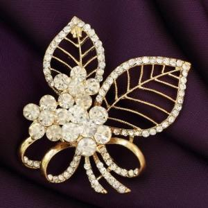 Brooche-Crafted with Dimond cutting stones