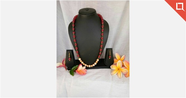 Red beads with pearls.......