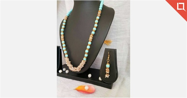 blue agade beads with  pearls......
